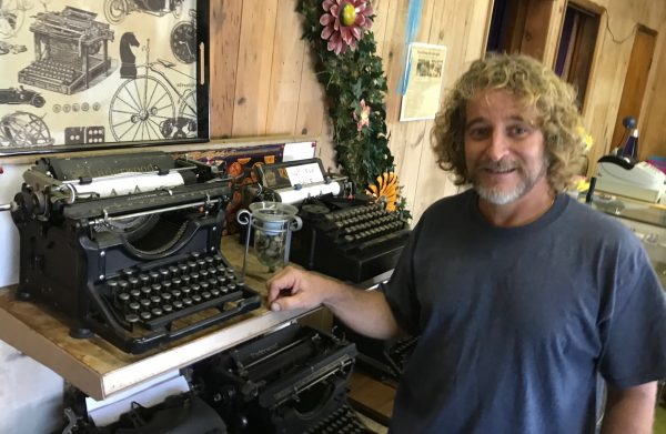 Vero Beach Typewriters - Lemmon LInes - Newsletter - Made in IRC
